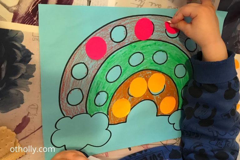 toddler easy rainbow sticker activity