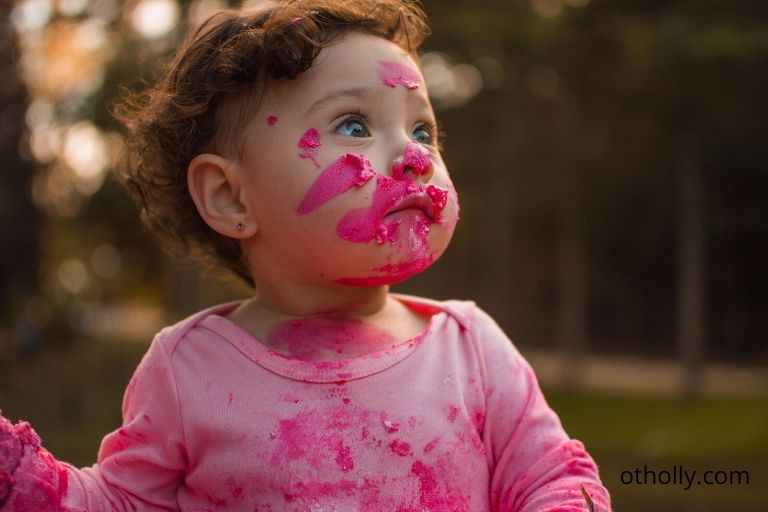 toddler covered in paint, could it be a sensory issue?
