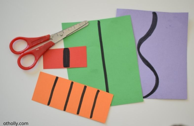 Scissors and strips of cardstock